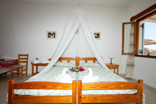 accommodation apolafsis studios double bed